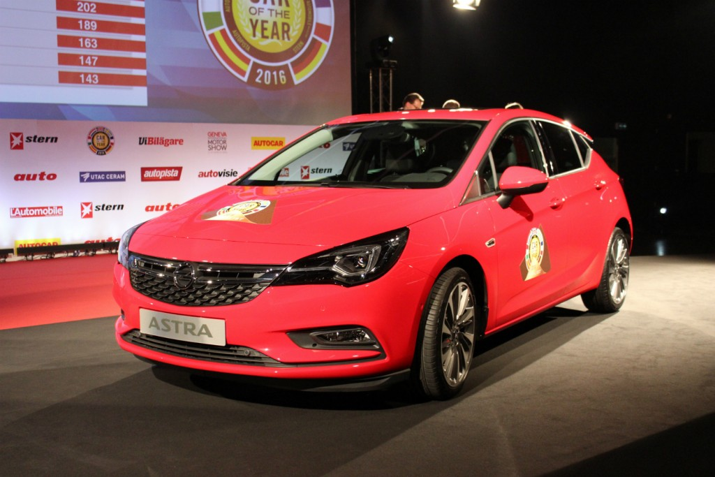 "Opel Astra ""Car Of The Year"" 2016"